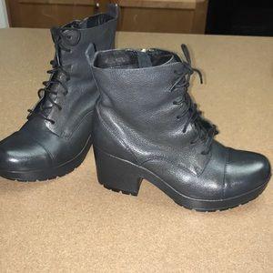 Kork- Ease Moto Ankle Boots